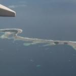 Madžūras - siaurutė pasaga, skalaujama bangų