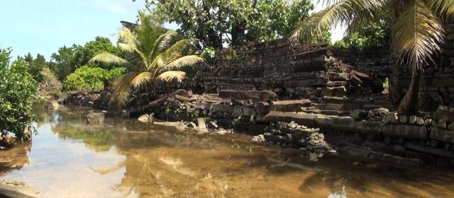Ponpėja – džiunglių sala su griuvėsiais ir dvasiomis