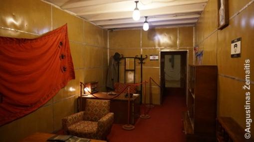 Hodžos trijų aukštų požeminė slaptavietė prie Tiranos. Iš čia Albanijos gynybai būtų vadovavęs pats Hodža
