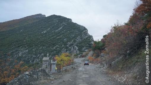 Tarpmiestinis kelias Korčė-Džirokasteris vienoje prastesnių savo vietų