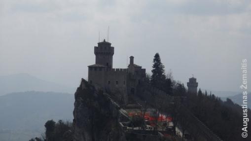 Viena San Marino pilių