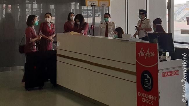 Tailande jau joks lėktuvo įgulos narys ar oro uosto darbuotojas nedrįstų ateiti į darbą be kaukės