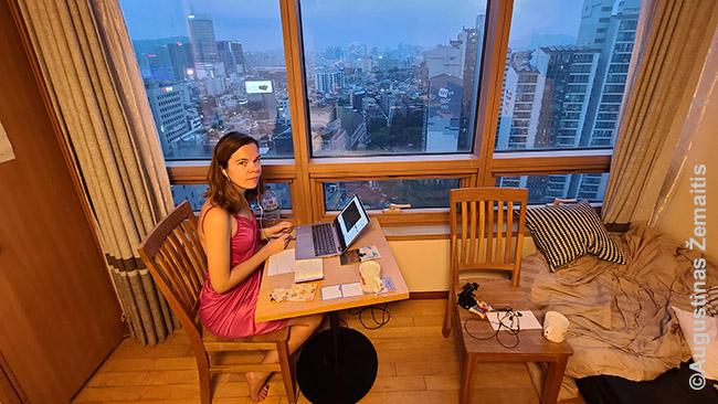Darbas Seulo bute vieną paskutinių dienų