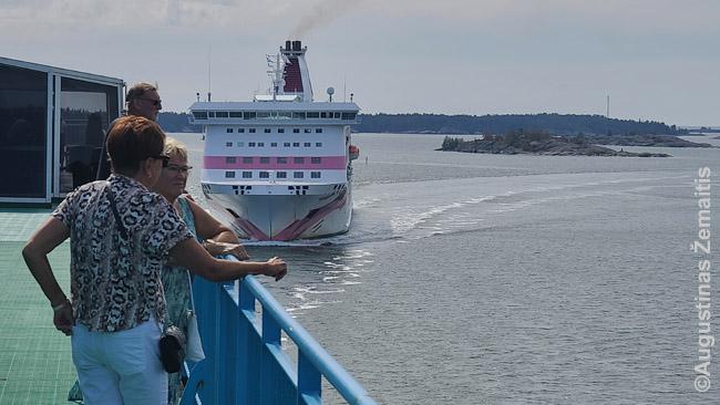 Kruiziniai keltai atplaukia į Mariehamną