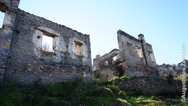 Vienas Kajakojaus griuvėsių