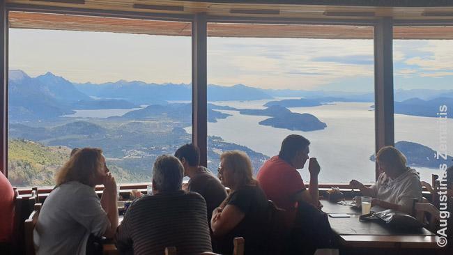 Besisukantis restoranas Argentinos ežerų regione: graži Pietų Amerikos gamta čia sutinka europietišką modernumą