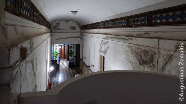 Seno viešbučio vidus Rufino mieste