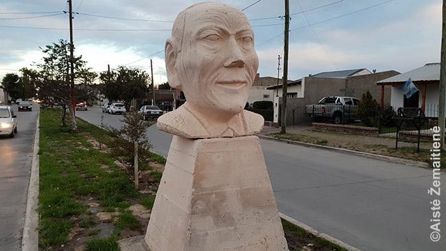 Kazimiero Šlapelio skulptūra Sarmiente