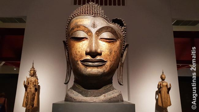Senasis Tailando menas Nacionaliniame muziejuje. Kartais ten vyksta nemokamos neblogos ekskursijos.