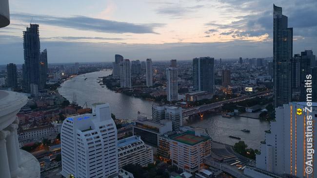 Bankoko panorama iš mūsų išsinuomoto buto balkono 41 aukšte