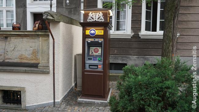 Tokie bankams nepriklausantys, gražūs bankomatai gražiose vietose - paprastai ir brangūs