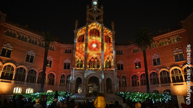 Barselonos Šv. Pauliaus ligoninė, vienas gražiausių miesto pastatų. Ji vis dar veikia.