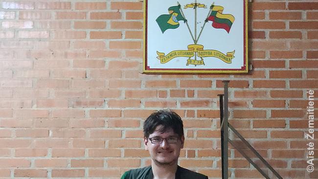 Prie Lituanikos simbolio