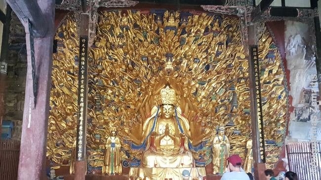 Guan In su daugybe rankų Kinijoje