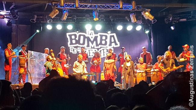 La Bomba Del Tiempo. Buenos Airės garsėja ir naktiniu gyvenimu