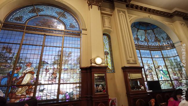 Las Violetas kavinė Buenos Airėse buvo apleista, bet neseniai suremontuota
