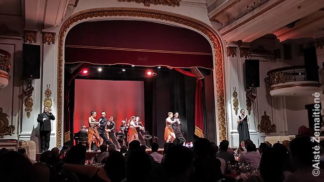 Tango teatro vidus. Buenos airiečiai giriasi, kad jų mieste daugiau teatrų nei kur kitur pasaulyje