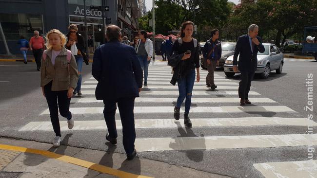 Buenos Airių žmonės ir atrodo, ir rengiasi kaip europiečiai