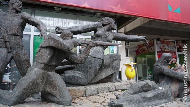 Į tokius vaizdus, kaip šis Sofijoje, krypsta Vakarų turistų objektyvai