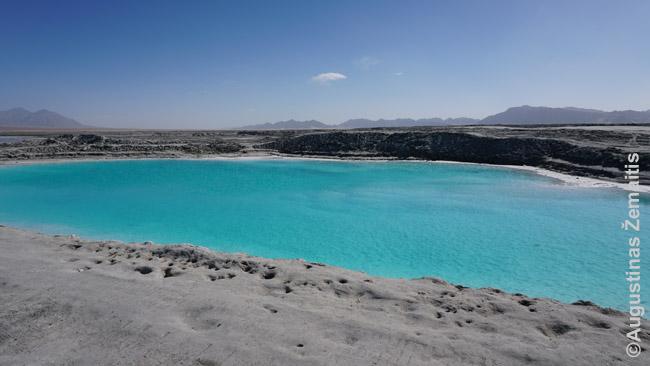 Nepakartojamos Činghajaus ežerų spalvos