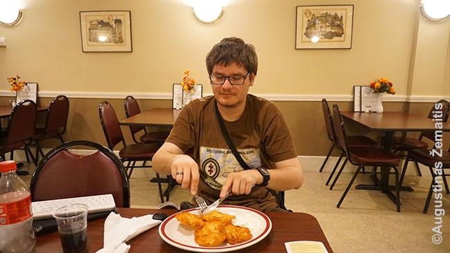 Bulviniai blynai Bostono lietuvių restorane