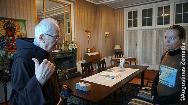 Aistė Žemaitienė kalbina Joną Bacevičių Kenebunkporto lietuvių vienuolyne