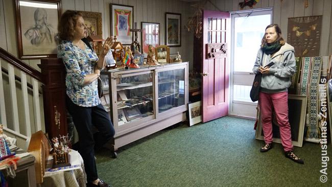 Pietinio Anglies regiono istoriją tyrinėjanti lietuvė Anne Chaikowski La Voie muziejuje pasakoja apie eksponatus. Po 'Tikslas - Amerika' ekspedicijos išleista jos knyga apie Pietinio anglies regiono lietuvius ir toje knygoje panaudotas mūsų žemėlapis