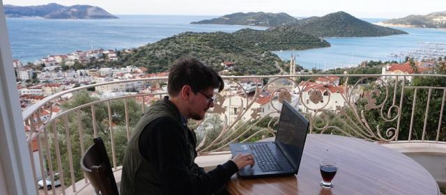 Kaip dirbti per atstumą iš užsienio?