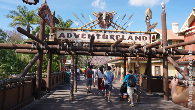 Įėjimas į Adventureland - nuotykių šalį