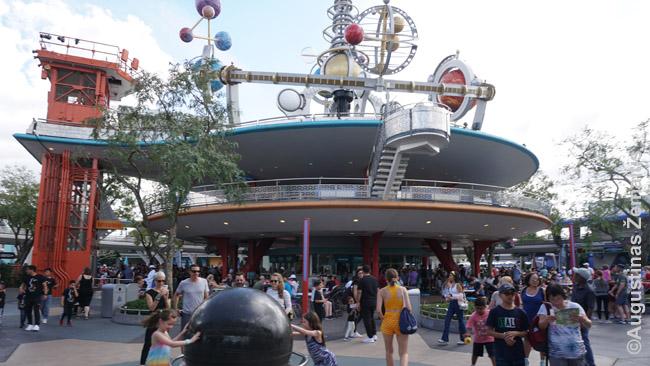 Ateities žemė (Tomorrowland) Disnėjaus pasaulio Magic Kingdom parke