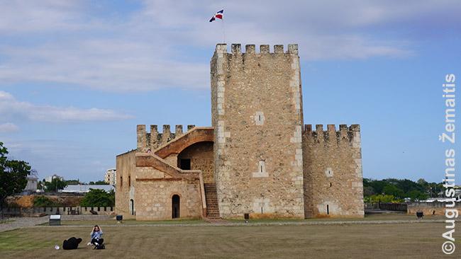 Seniausia Amerikos pilis Santo Dominge