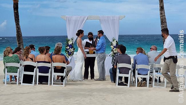 Konvejeriu vykstančios vestuvės Dominikos Respublikos superviešbutyje