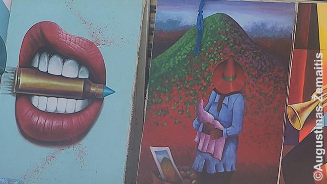 Tradiciniai Dominikos Respublikos stiliaus paveikslai, pardavinėjami Santo Domingo gatvėse