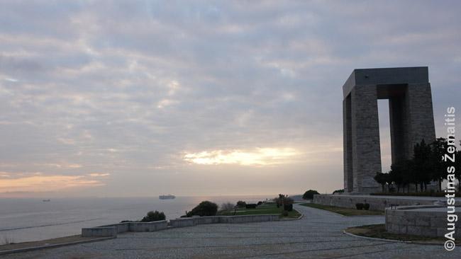 Didžiausias Galipolio memorialas - žuvusiems turkams