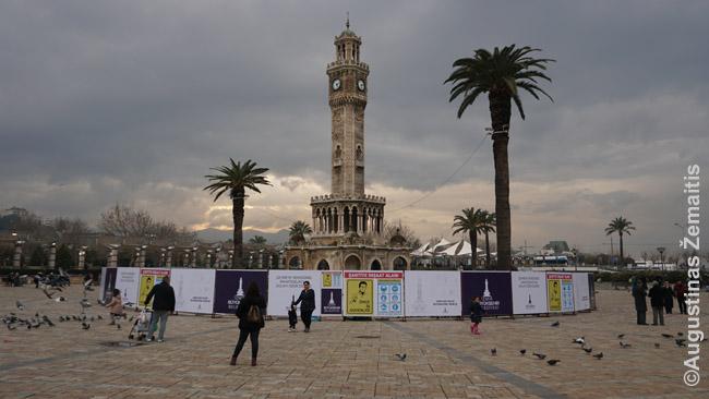 Izmiro laikrodžio bokštas - vienas nedaugelio praeities reliktų. Jį 1901 m. padovanojo Vokietijos kaizeris