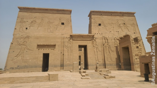 Filės šventykla. Tai - tipinis Egipto šventyklos fasadas, vadinamas portalu