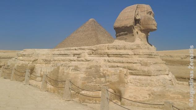 Cheopso piramidė ir Sfinksas, dalis mirusiajam faraonui skirtos šventyklos