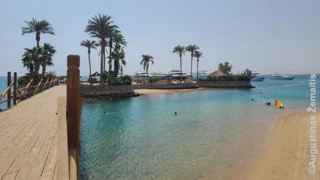 """""""Idealus"""" privatus pajūris su salele Egipto kurorto viešbutyje"""