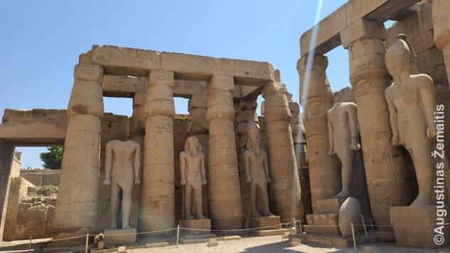 Luksoro šventykloje