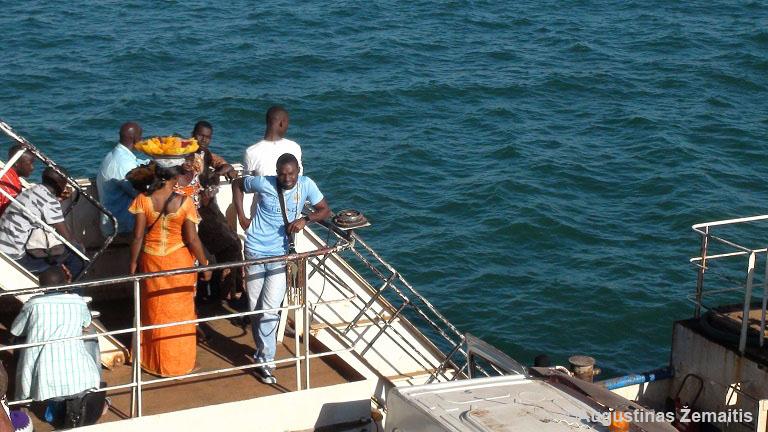 Keltas Gambijoje, iš kurio išvažiuojant reikalavo kyšio