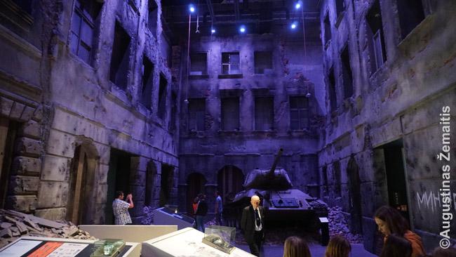 Sunaikintas pokario Lenkijos miesto rajonas Antrojo pasaulinio karo muziejuje
