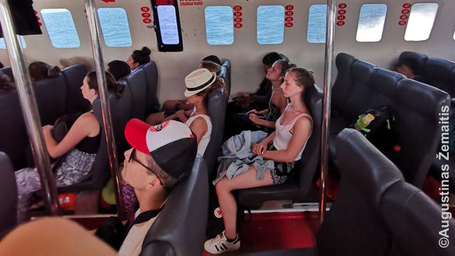 Kelionė į Gilį supančiu greituoju laivu daug kam sudėtingai ištveriama be pykinimo