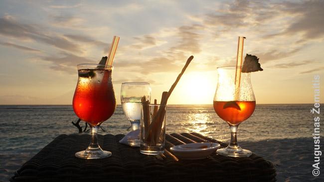 Saulėlydžio kokteiliai Gilio Travangane - patirtis, kurios tiesiog neturėsi laukinės gamtos kurorte