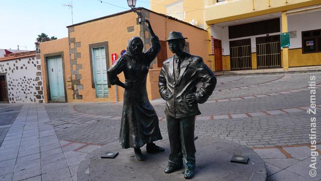 Begalė statulų ir statulėlių, kaip Aguimeso mieste