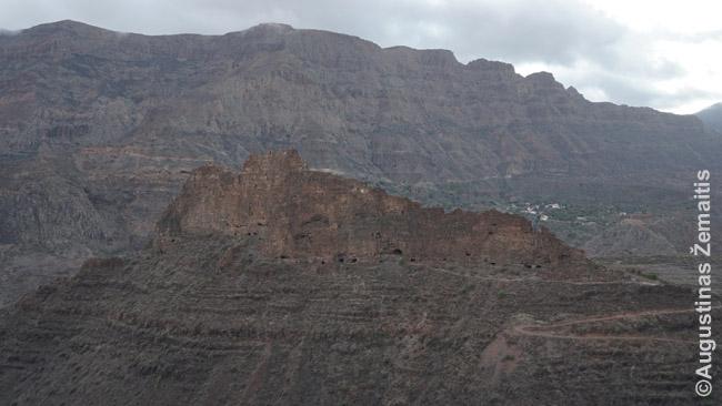 Fortaleza de Ansite kalnas išvagotas gvančų olomis