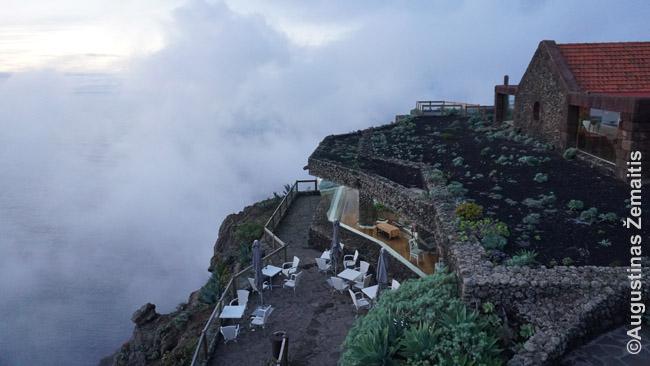 Prabangus Mirador La Pina restoranas debesų fone