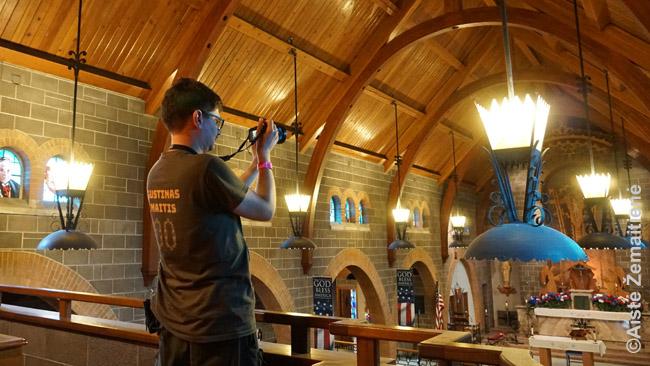 Fotografuojame Rytų Sent Luiso bažnyčios vidų