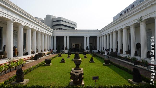 Nacionalinis muziejus Džakartoje, vienas olandų statytų pastatų