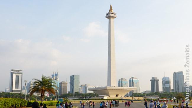 Nacionalinis monumentas Džakartoje, vienas nedaugelio įspūdingesnių XX a. pastatų