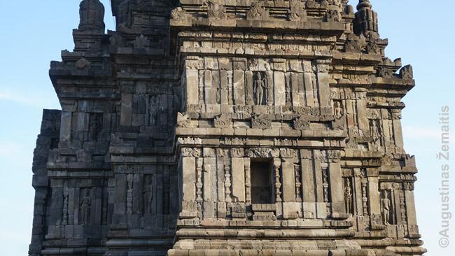 Vienos Prambanano šventyklų fasadas